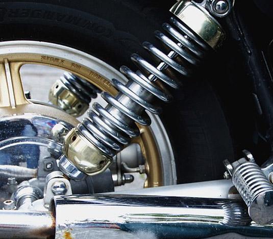 Amortidors Cotxe Taller Mecànic